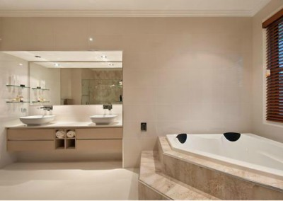 Modern Porcelain Bathroom