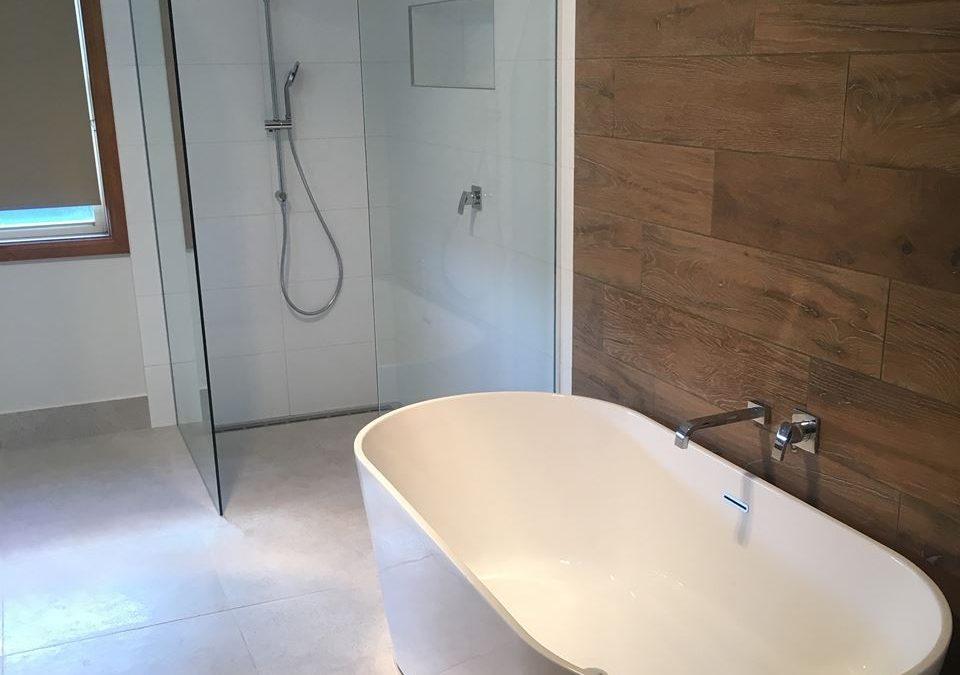 Bathroom Jindivick 2016